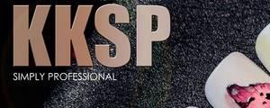 Delphine Derhé Spoor Partenaire produits nail art KKSP