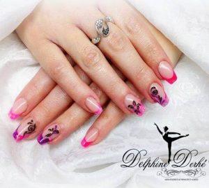 Création styliste ongulaire Delphine Derhé Spoor ongles peinture fine indigo