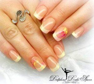 Création Nail Art Delphine Derhé Spoor ongles gel UV