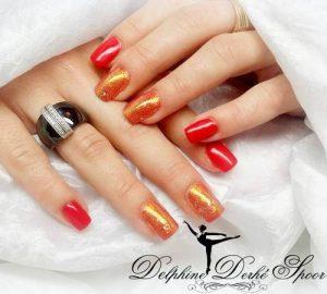 Création Nail Art delphine Derhé spoor ongles nacre rouge